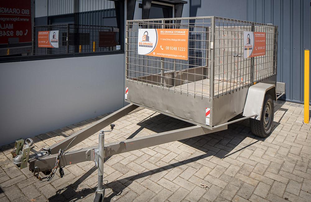 self-storage-in-malaga-bigorange-trailer