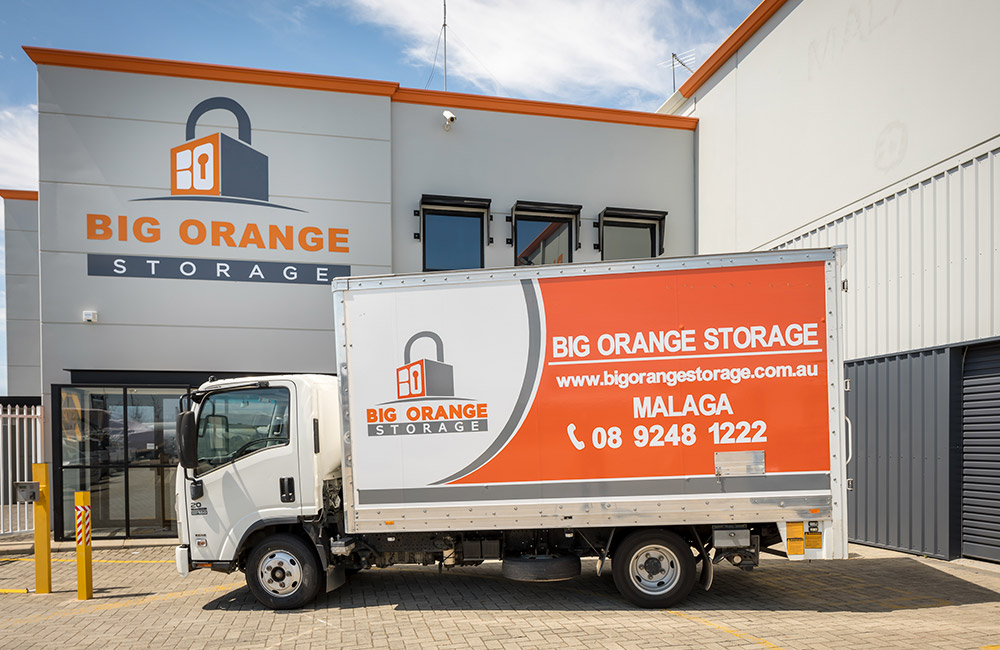 self-storage-in-malaga-bigorange-truck